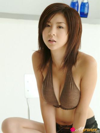 Gravure Idol Aki Hoshino, GravureTokyo.com