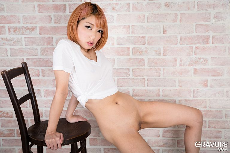 GRAVURE-DOTCOM-CHIE-KOBAYASHI-02-x220