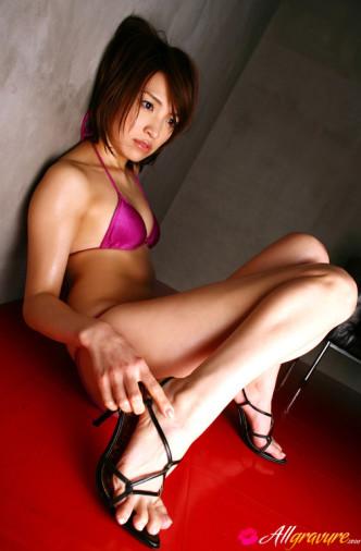 Gravure Idol Ryoko Tanaka debuts at GravureTokyo.com
